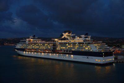 Celebrity Cruises bei Nacht